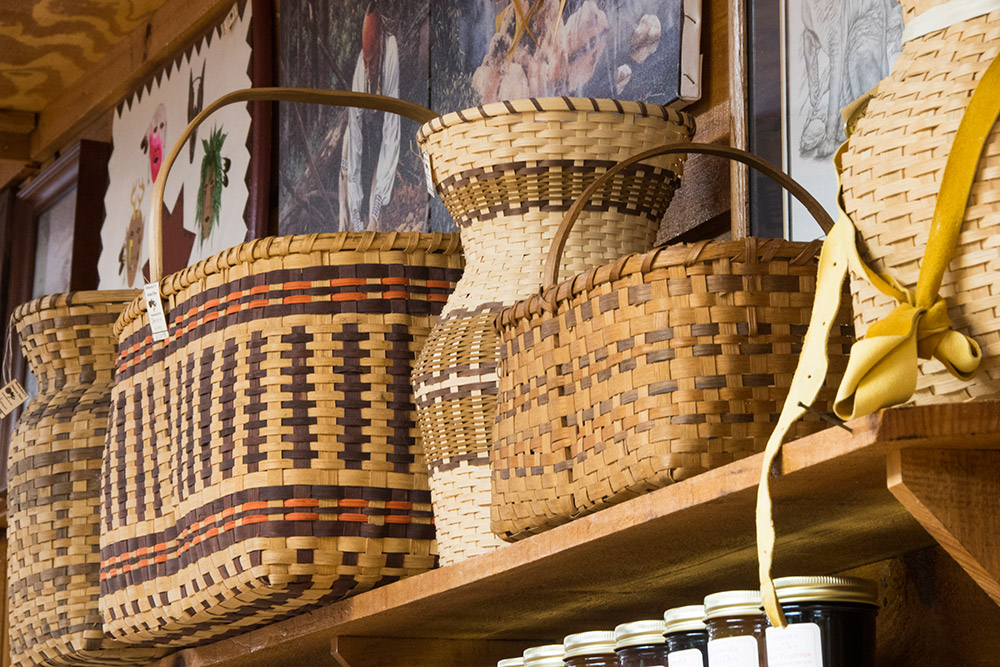 native american baskets in cherokee nc   bearmeat s indian den